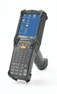Motorola Rugged MC9190-G 53-Key Wireless & Bluetooth Gun-Style 2D Long Range PDT With Windows Mobile 6.5 Classic
